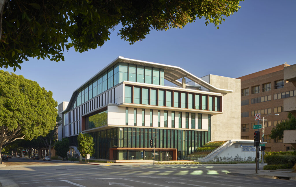 Kaiser Permanente School of Medicine Named Top Institutional Project in Rethinking the Future Design Awards